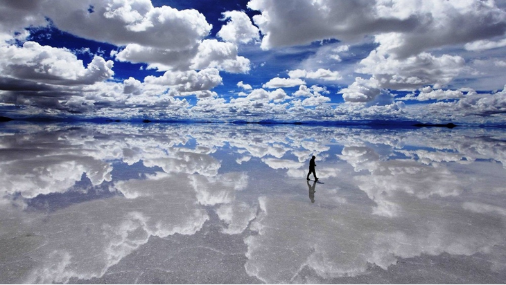 surreal places: Salar de Uyuni a salt flat in Bolivia