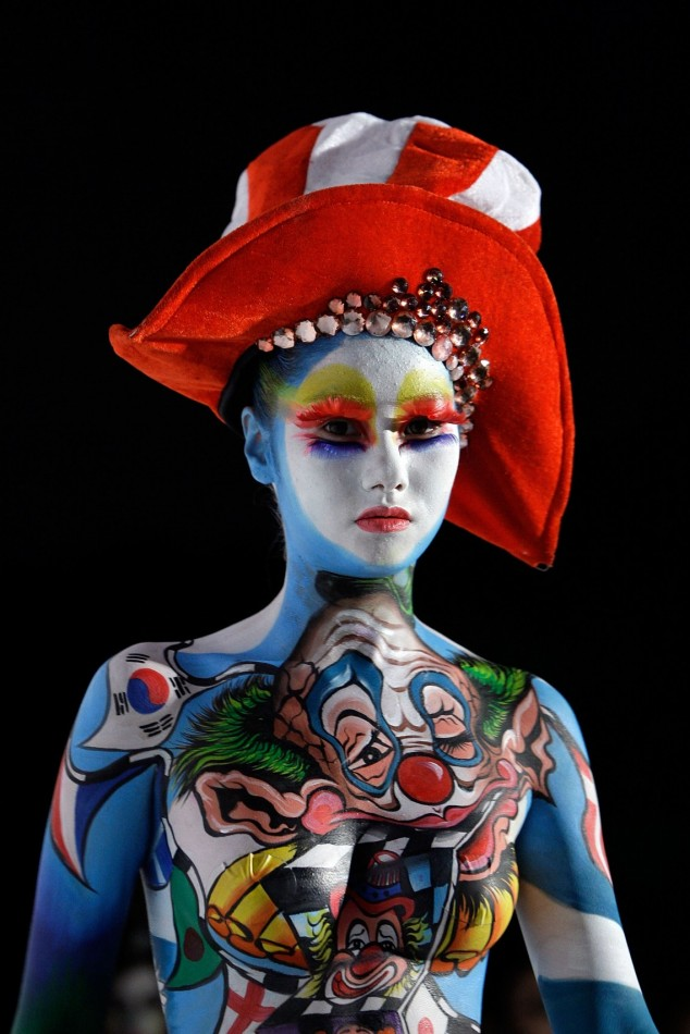 body painting - la donna clown